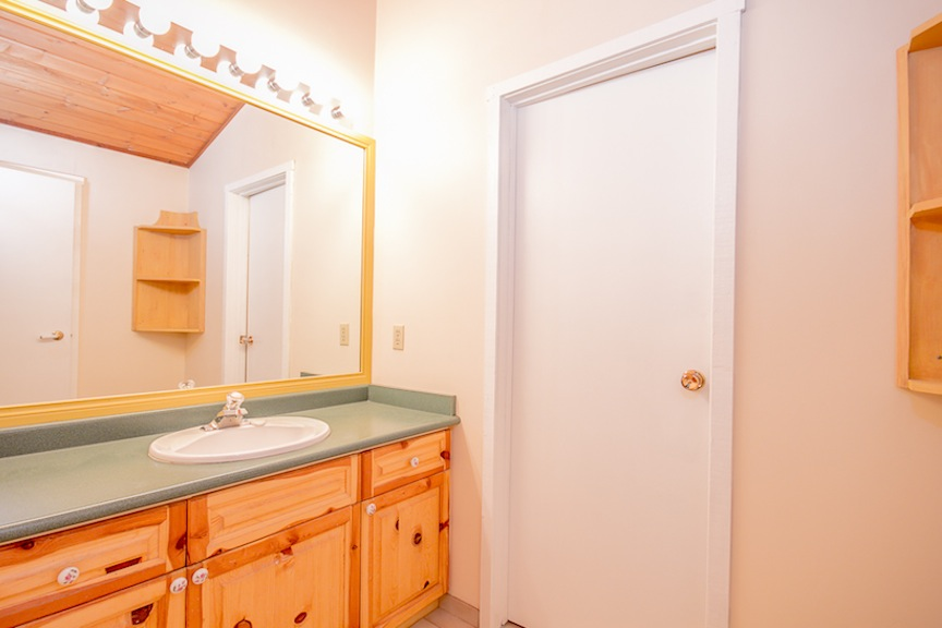 Brio-Upstairs-Bathroom.jpg