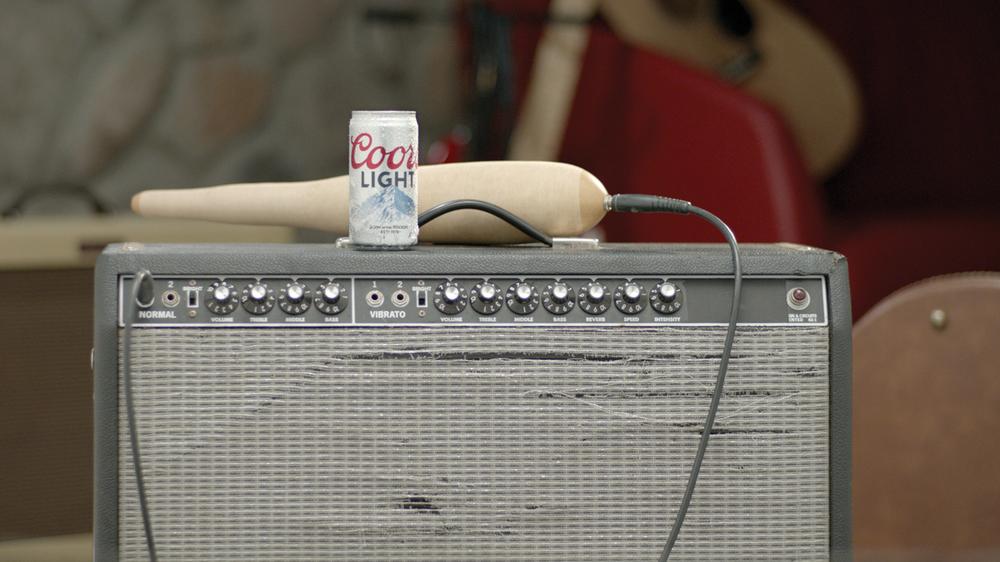 still-amp-y-lata-guirro-flat-cmyk.jpg