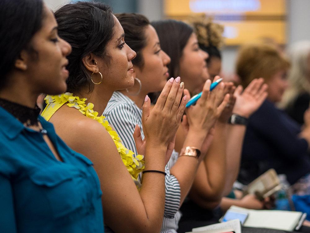 La actividad tuvo como participantes a diversos profesionales latinos de los medios de comunicación.  (Fotos por Yunuen Bonaparte / CUNY)
