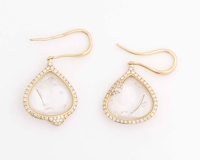Just in! Gorgeous, bubbly glass with diamond and yellow gold! Super fun earrings #unique #glass #diamonds #design #earrings #yellowgold want it? Is available today