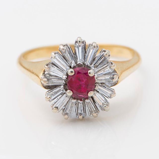 Ruby and diamond ring!!! Gorgeous #ruby #diamonds #ring #baguette #yellow #gold #buy #sell #charleston