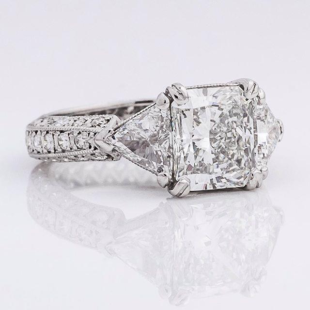 Monday beauty #diamond #radiant #trillion #diamonds #charleston