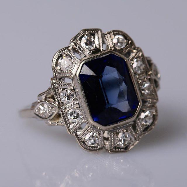 Gorgeous #sapphireengagementring #engagementring #diamonds #sapphire #platinum