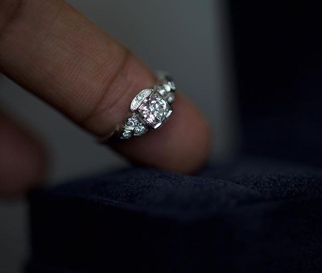 Amazing engagement ring #want #buy #sell #diamonds #diamonds #diamondring