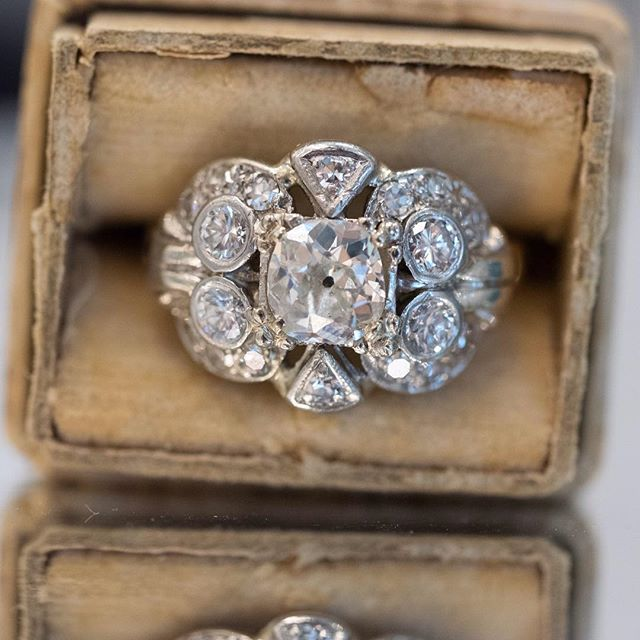 Pure elegance 🔥💍💍💍😍😍😍 #diamonds #jewelryart #art