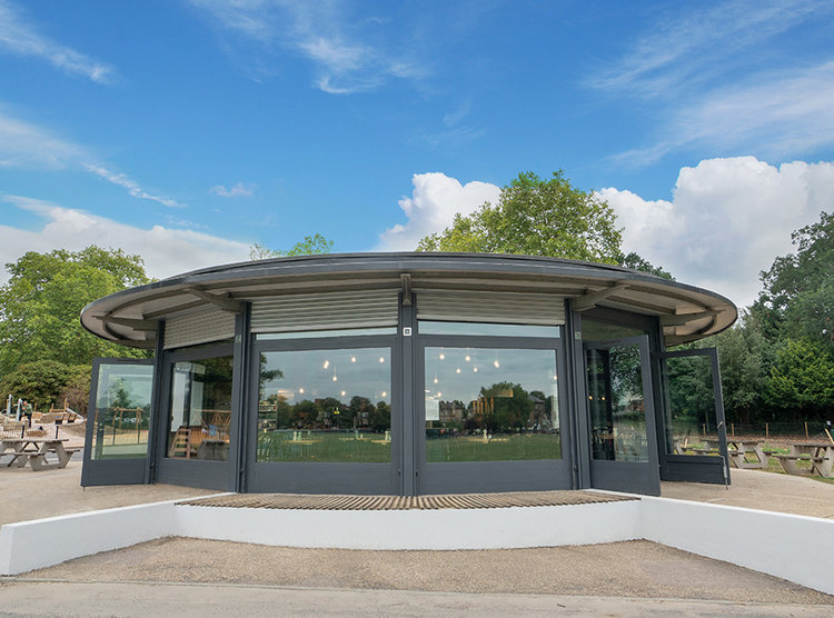 The Round, Peckham Rye Cafe, at the centre of Peckham Rye park