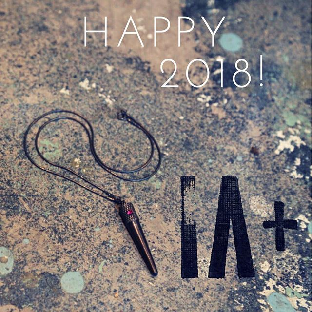 May 2018 be full of #tinypiecesofhistory 🖤 #iaplus #happynewyear
