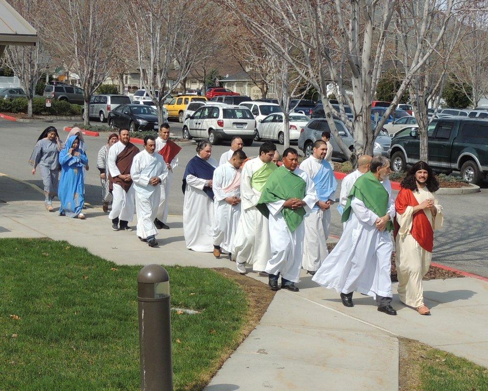 2017-0409-105-Procession-Jesus-Apostles.jpg