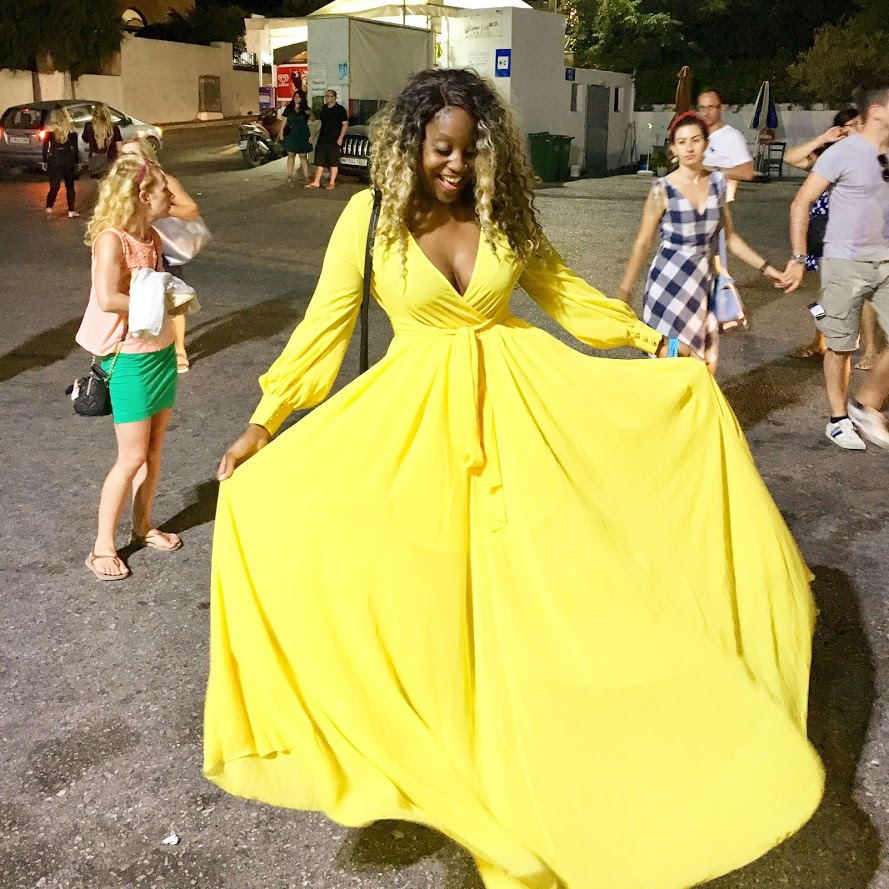 I truly felt like royalty in Santorini that night. Free food and drinks were had!
