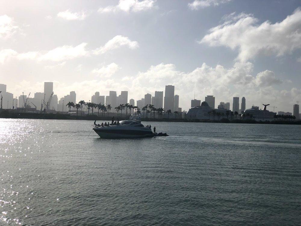 Miami_Boat03.jpg