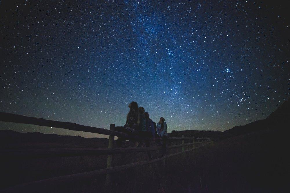 star-gazing-1149228.jpg