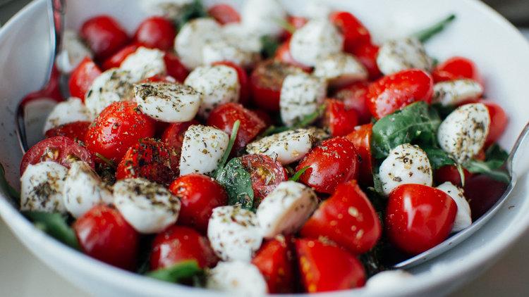 30Fifteen tomato mozzarella salad