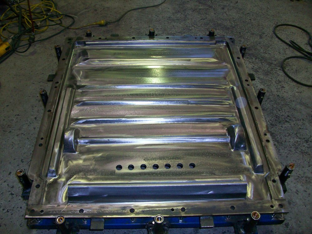 Commercial Rubbish Bin Lid Mould