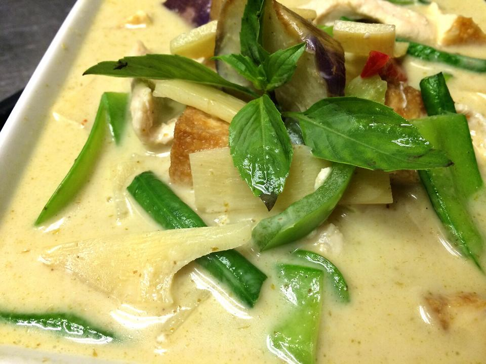 we are vegan friendly - green curry with tofu