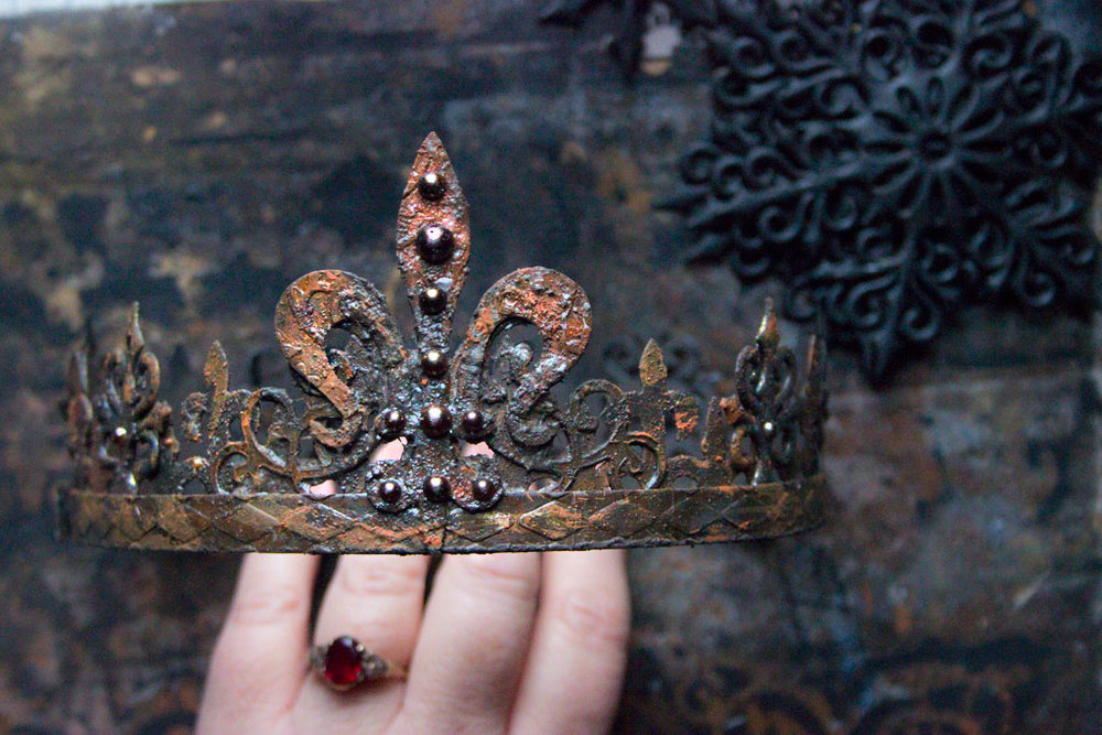 01-Rusty-Crowns-Heather-K-Tracy-for-The-Graphics-Fairy.jpg