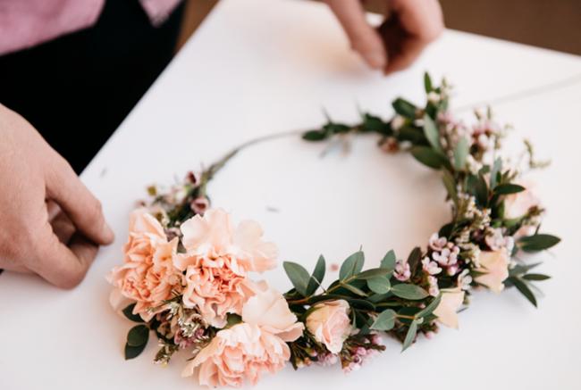 DIY-fresh-flower-crown.png