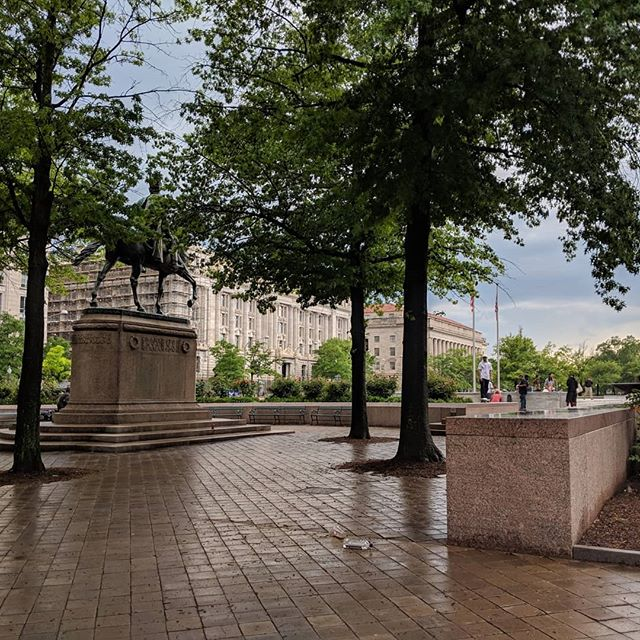 Learned so much at the Food & Drug Law Institute Annual Conference #dreamsdocometrue #friendsinallplaces #friendship #networking #cle #professionaldevelopment #personalgoals #positiveenergy #selfcare #llm #legal #freedomplaza #washingtondc #reachhigher #nofilter