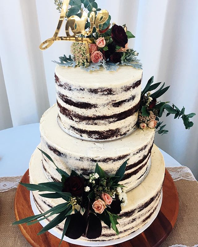 BAKED WEDDING CAKE   Gluten free    Chocolate, coffee & cardamom