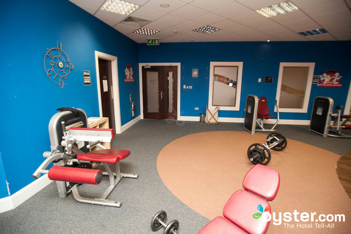 fitness-center--v2500196-720.jpg
