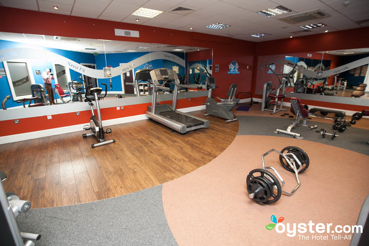 fitness-center--v2500282-720.jpg