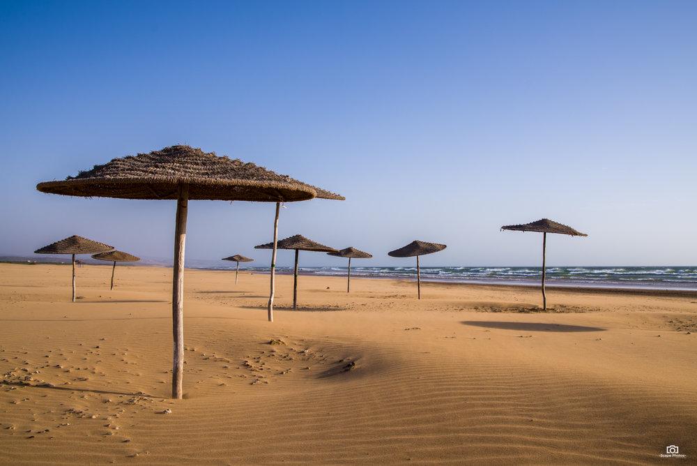 Geen OLA paraplu op het strand in Sidi Kaouki.
