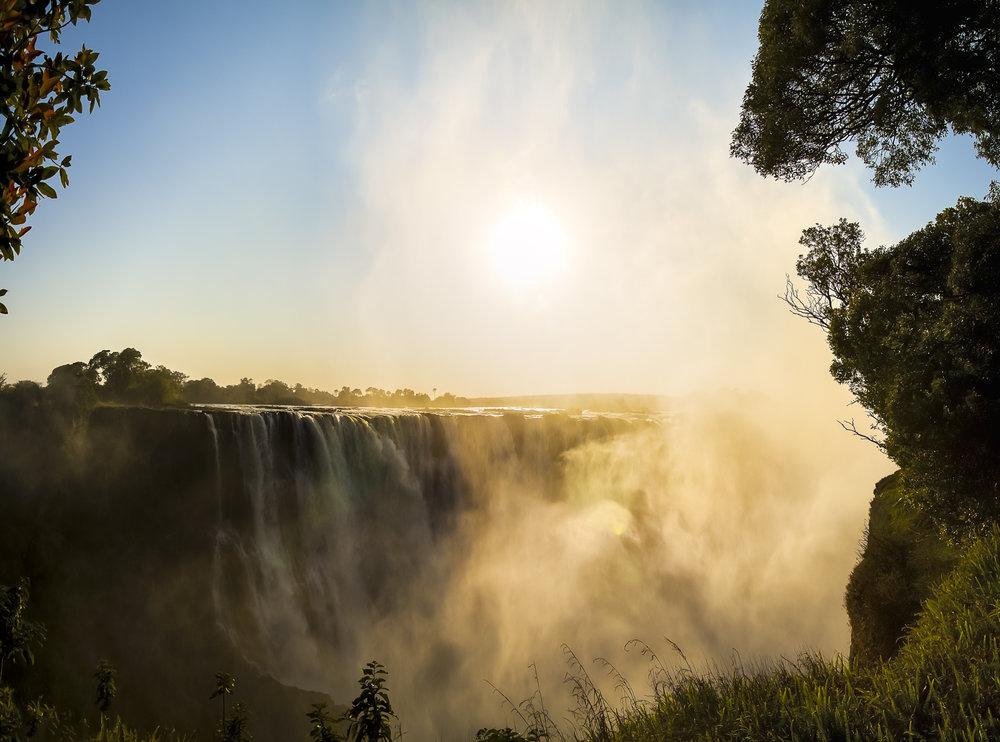 Victoria falls. Zambia ligt aan de overkant.