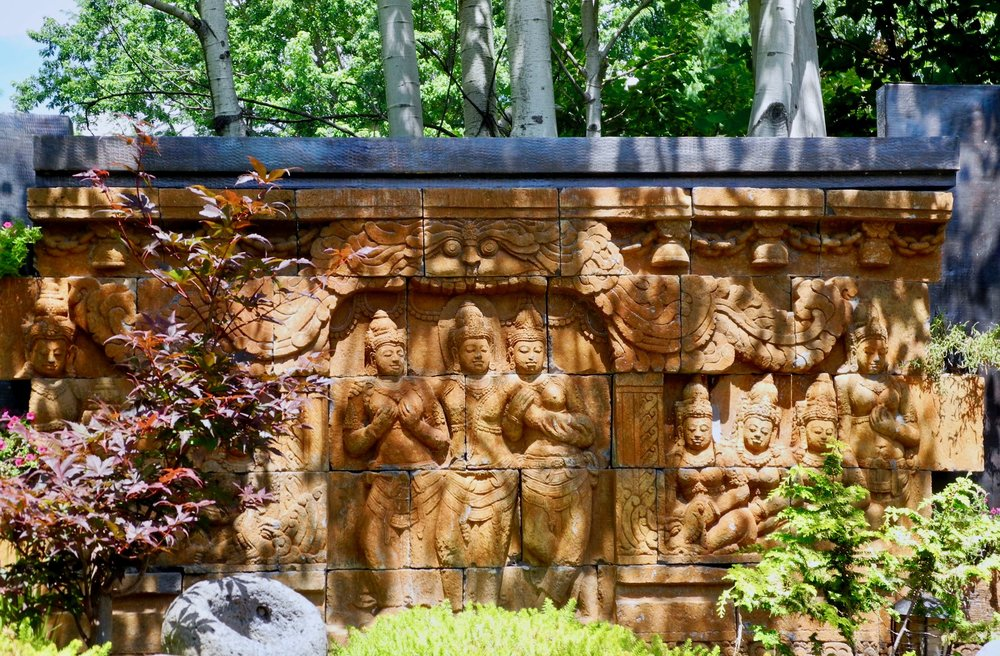 Bas-relief divinités hidoues