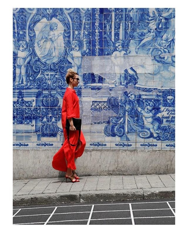 Summer feeling in Porto❤️ #emiliebook #red #shirtdress 🍒 Photo borrowed from #bukvy