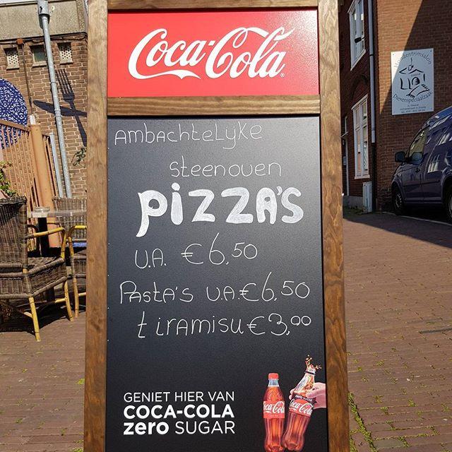 Echte Italiaanse pizza's #cocacola #food #eten #takeaway #afhaal #italian #italiaans #pizzeria #pizza #breda