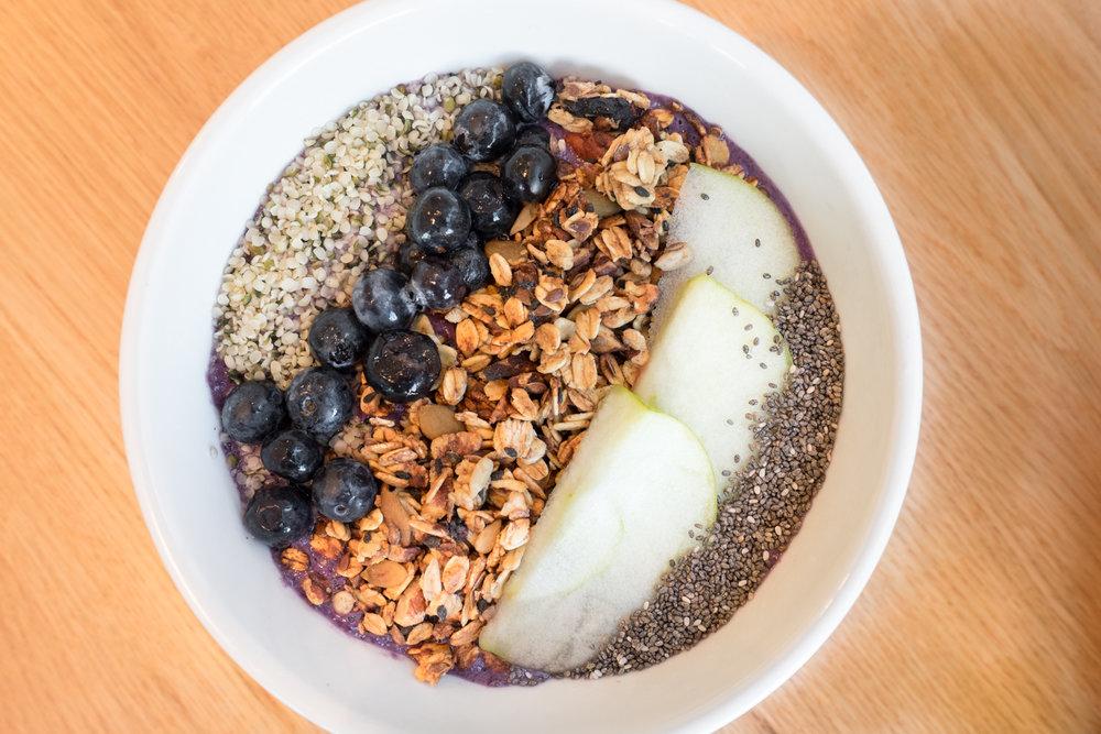 toronto-new-vegan-restaurants-kupfert-and-kim-queen-west-smoothie-bowl.jpg