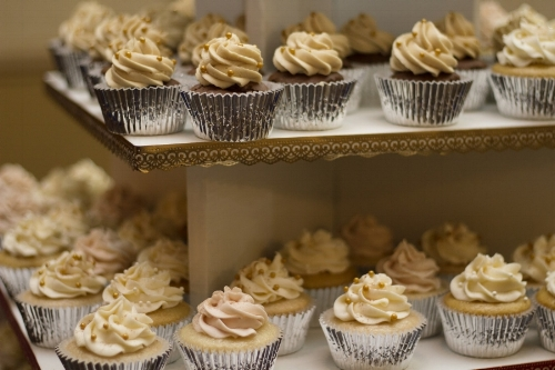 Cupcakes, donuts, or individual desserts are always a good options to look into.