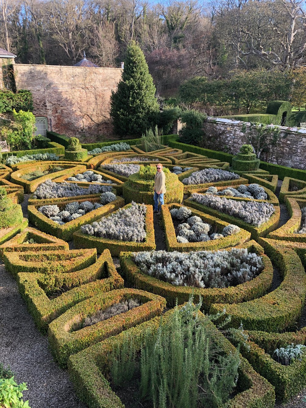 Where's Wally? Lost in the Parterre.