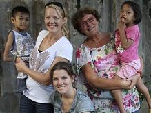 Het waren 10 fantastische jaren!   3 september 2013  Monique Velzeboer Foundation stopt met uitgifte kalenders en kaarten.