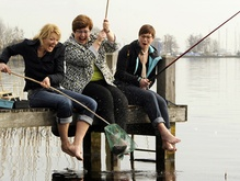 Een visje uitgooien bij… Marina van der Velde 11 april 2013 Wie een visje uitgooit bij burgemeester Marina van der Velde vangt geen bot, maar een open gesprek...