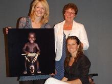 Opbrengst 300.000,- voor Liliane Fonds   14 mei 2009  Een gouden recordbedrag voor de Monique Velzeboer Foundation bestemd voor het Liliane Fonds!
