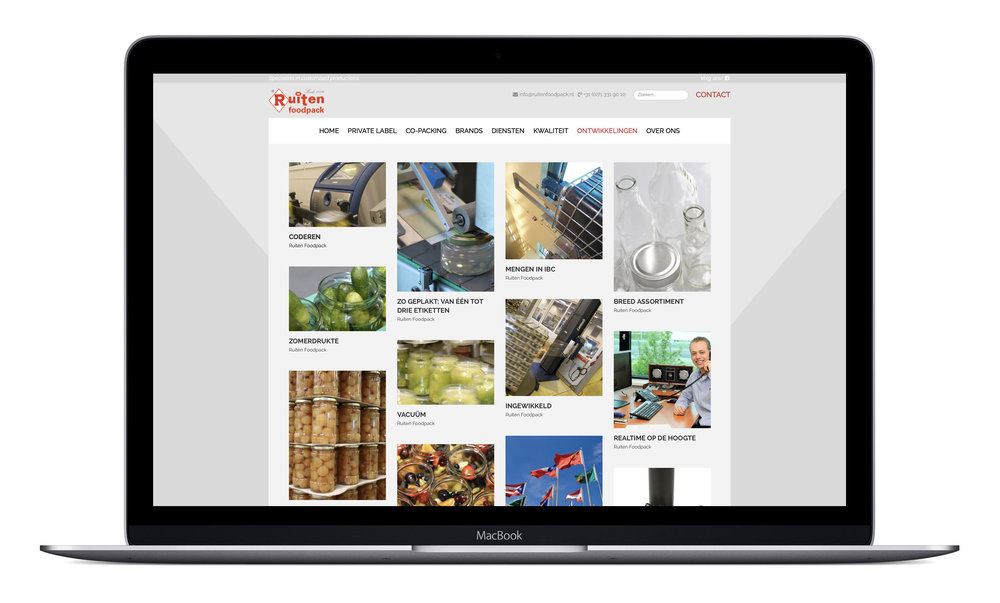 macbook mock-up 04.jpg