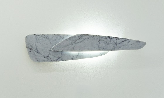 Inarchi Sasso wall light in carrara marble