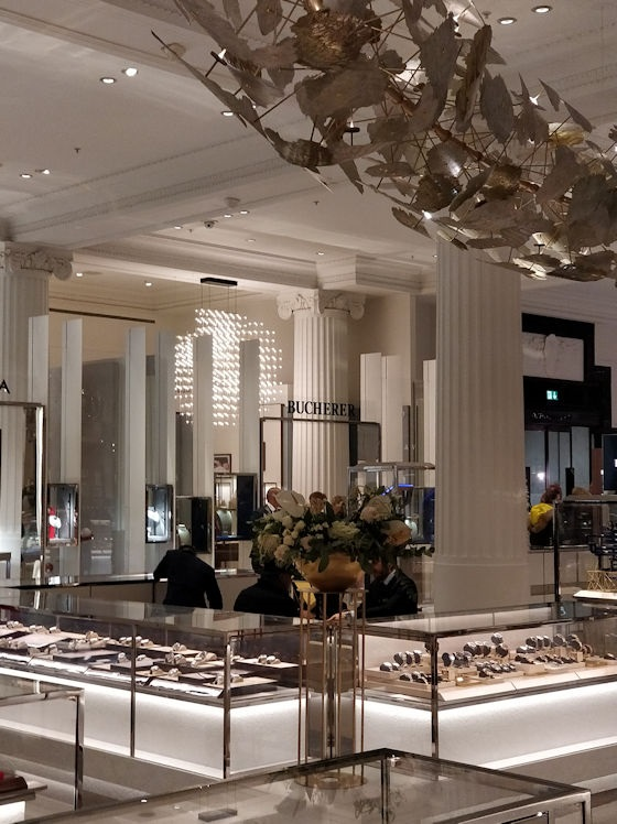 Quasar Cosmos bespoke contemporary chandelier in Bucherer, Selfridges Wonder Room