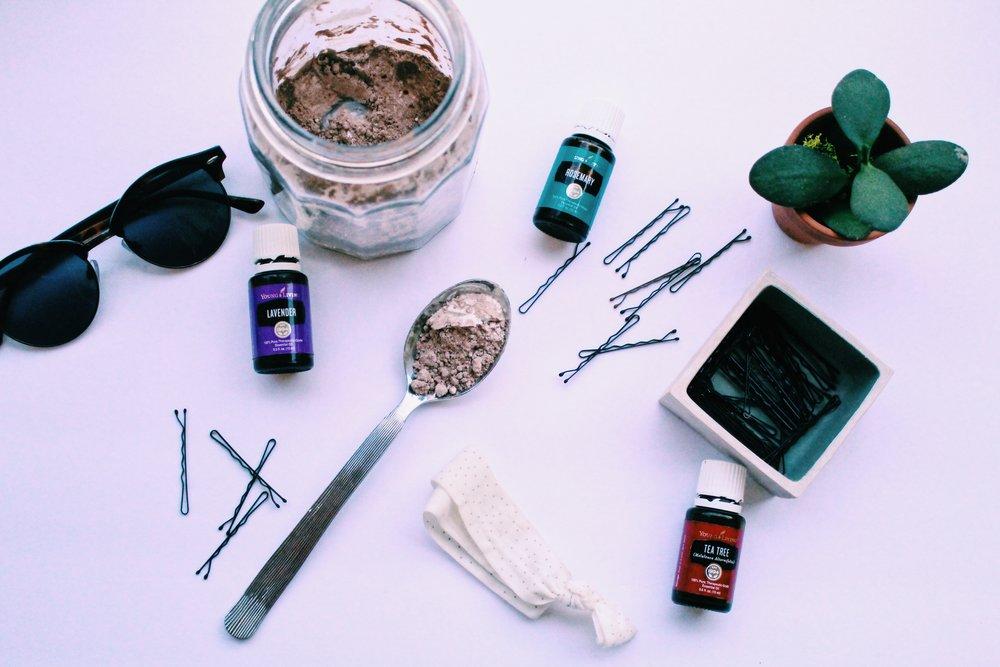 DIY Dry Shampoo // Hey, Annie Demm