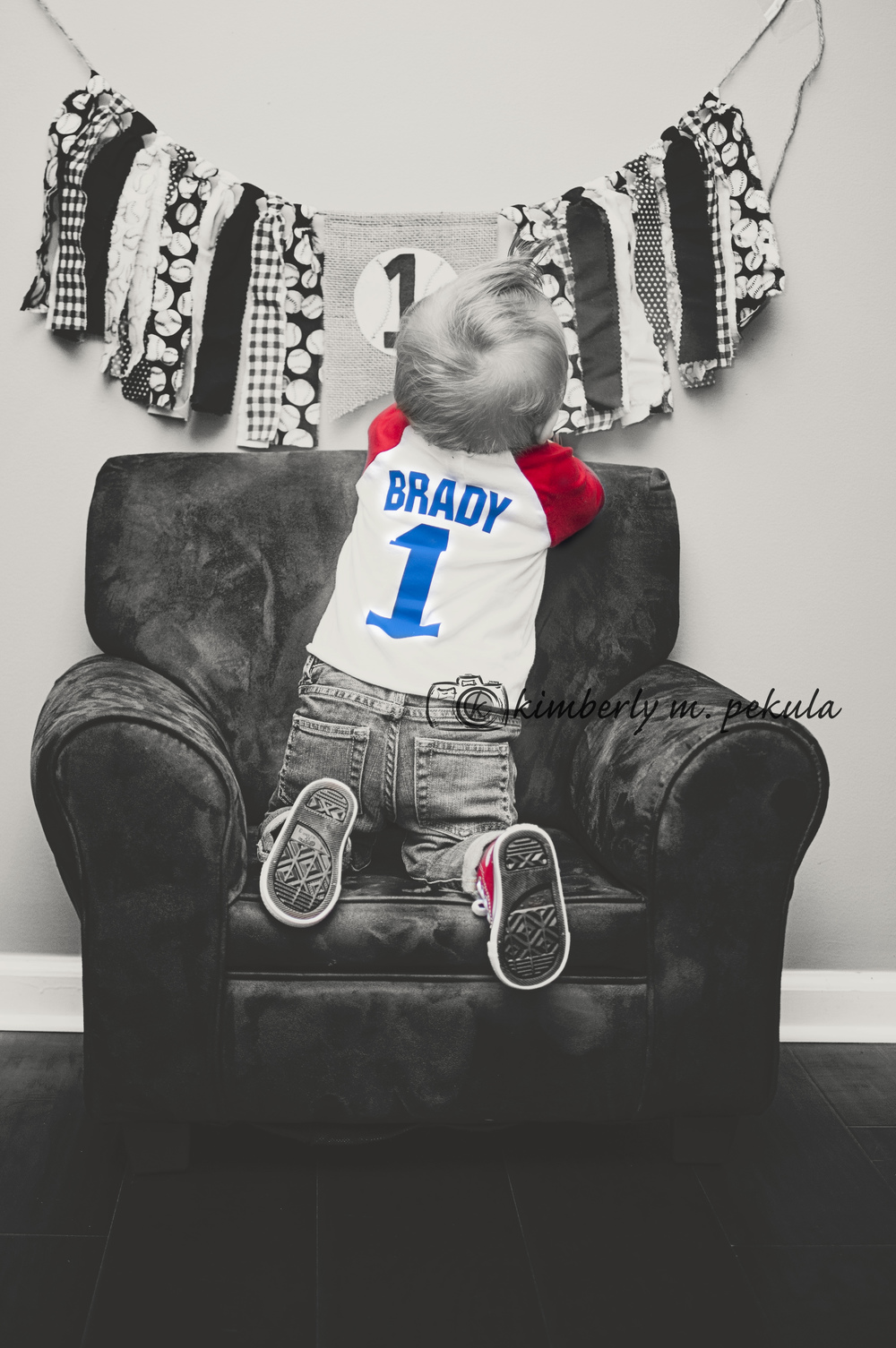 Brady's First Birthday Mini Session_04.jpg