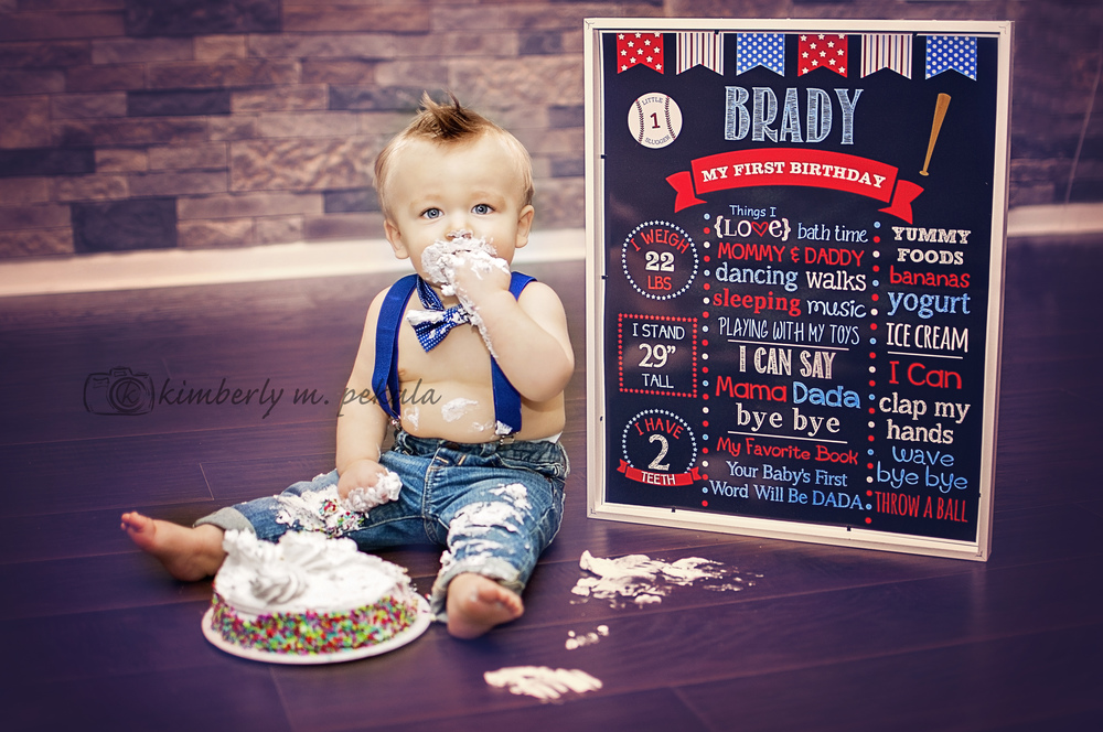 Brady's First Birthday Mini Session_12.jpg