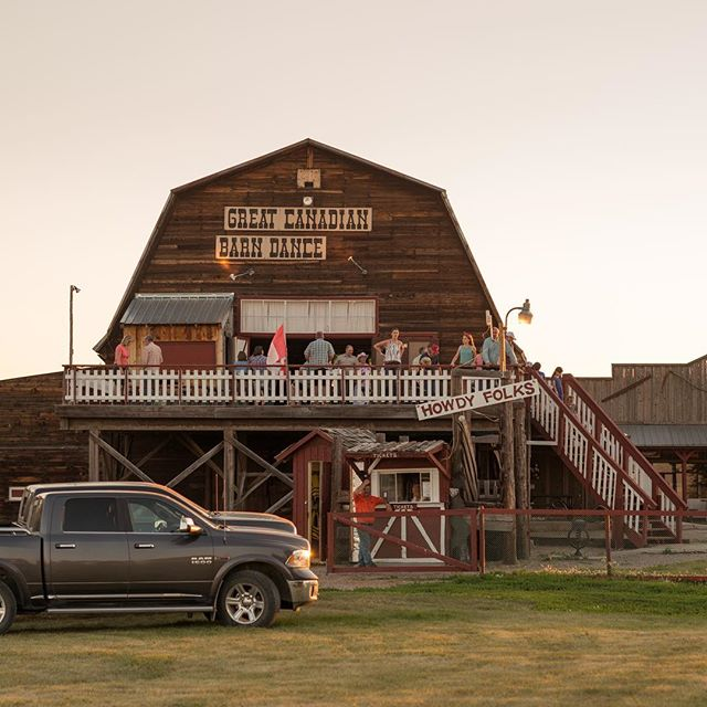 Shout out to the @thegreatcanadianbarndance for all the events they put on. The dinners and dances, as well as the dinner shows #shoutoutsaturday #explorecardston #myalbertasw #explorealberta #cardston #summer2018 #dance #dinner #barndance