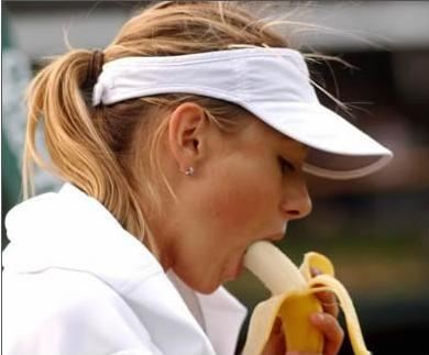 maria-sharapova-eating-banana-_tcb1.jpg