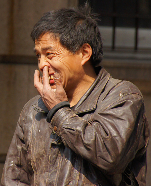 Chinese-man-picking-nose-L.jpg