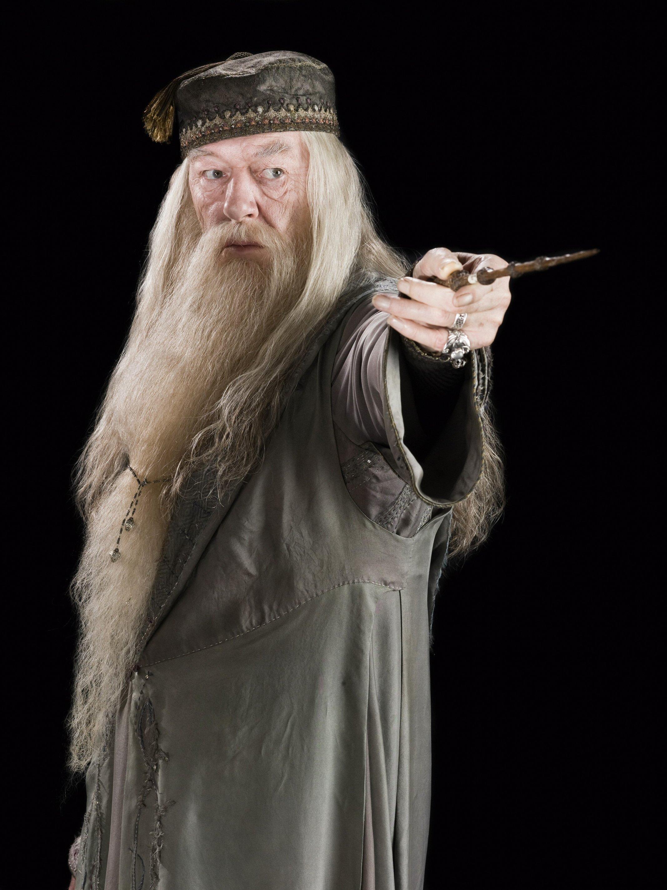 Albus_Dumbledore_(HBP_promo)_3