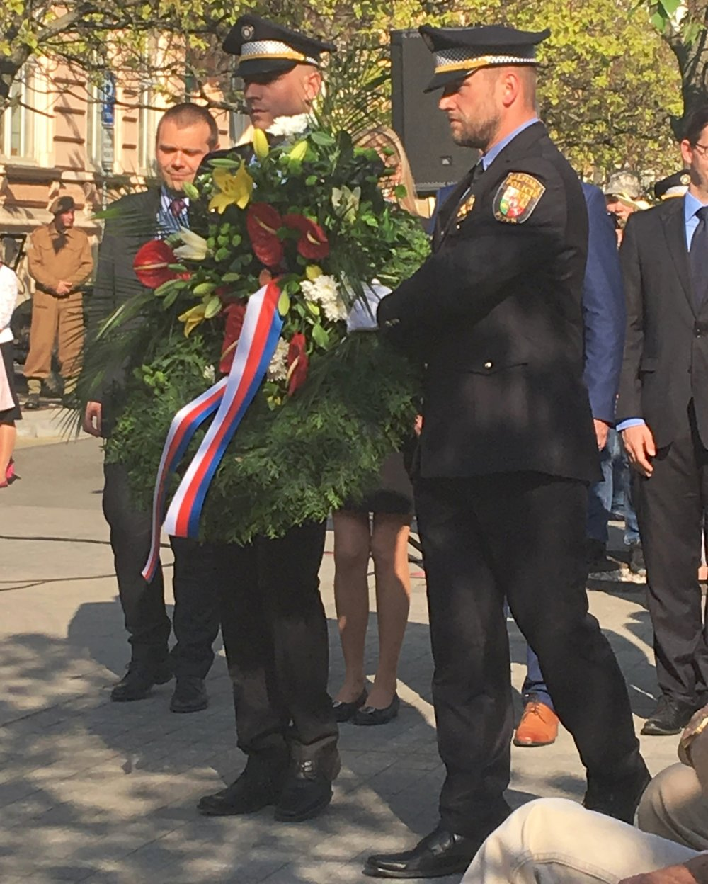 Wreath-Bill's photo.JPG