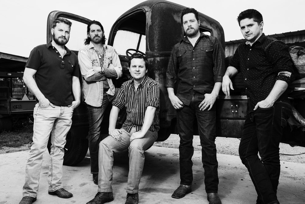 Micky & The Motorcars    Website
