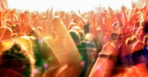 crowd-e1430949564649.jpg