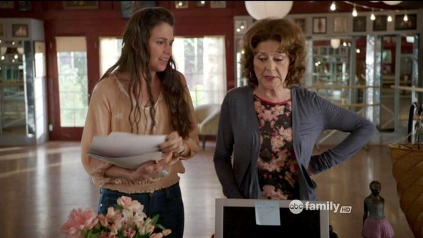 Sutton Foster and Kelly Bishop in a screengrab from Bunheads