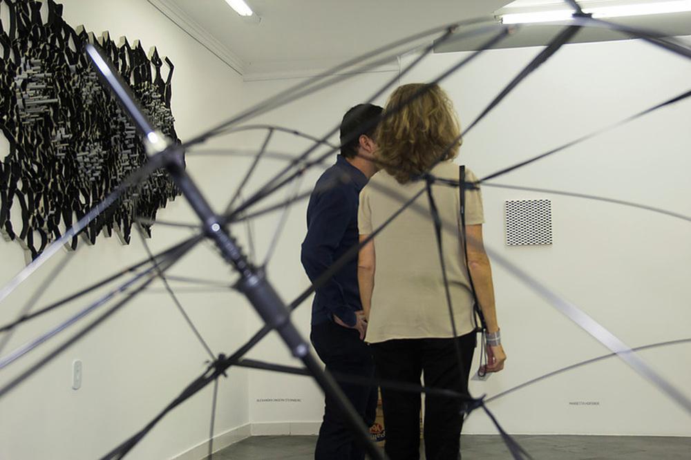 Andrey Zignatto, Esfera-Estrutura e ao fundo Michael Kukla, Dark Cloud